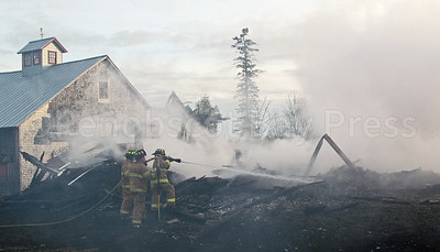 WP-Ken-Rose-Farm-fire-smoke-110316-AB