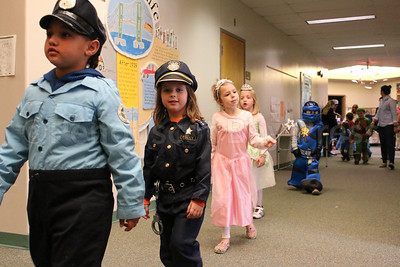 WP-Sedgwick-halloween-parade-cop-110316-AB