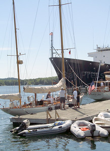 CP-Dorade-and-America-in-Castine-State-of-Maine-in-background-081116-ML