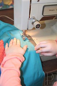 CP-Pen-sewing-circle-Aliza-Robinson-hands-021116-ML