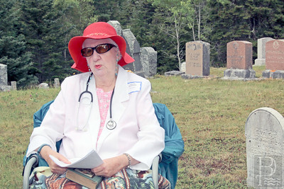 IA-cemetery-walk-lucy-hester2-071416-AB