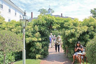 CP-HG-Tour-Day-Gardens-entrance-072116-ML