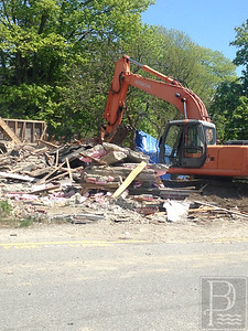 IA-Atlantic-Ave-house-demo-all-down-052616-ML
