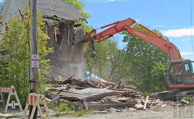 IA-Atlantic-Ave-house-demo-half-done-052616-ML