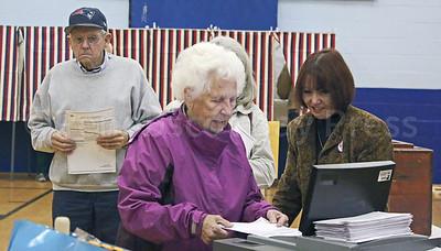 CP-elections-pen-ballot-counter-111016-AB