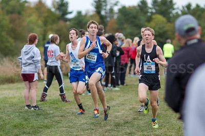 Marniner Brendan Penfold ran his best time, 16:55. Photo by Tate Yoder
