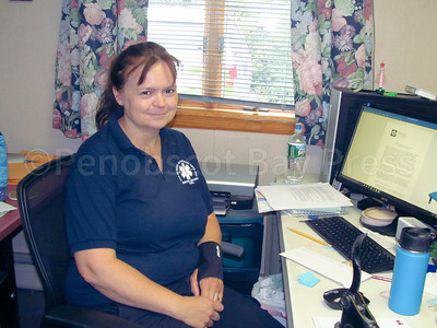 IA-New-DI-town-office-staff-Heather-Cormier-092216-ML