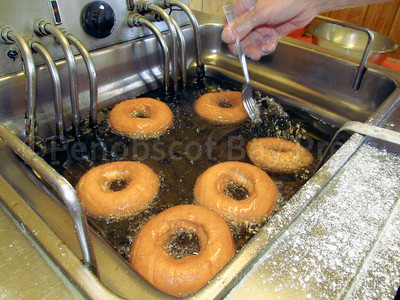 WP-Danny-Hinckley-baker-donuts-in-oil-092916-ML