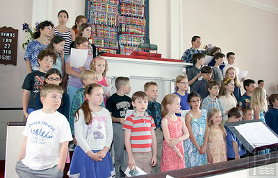 CP-Adams-School-grad-kids-singing-061616-ML