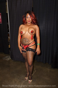 Adultcon_Dec_2016_IMG_0777_RR