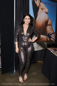 Adultcon_Dec_2016_IMG_0007_RR