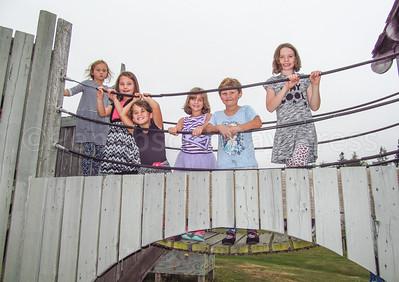 CP-Pen-first-day-of-school-Zoe-Dow-Lilliana-Ingersoll-Kyra-Poitras-Aliza-Shorey-Emma-Leach-Amia-Kennedy-090816-ML