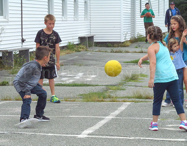 CP-Pen-first-day-of-school-four-square-090816-ML