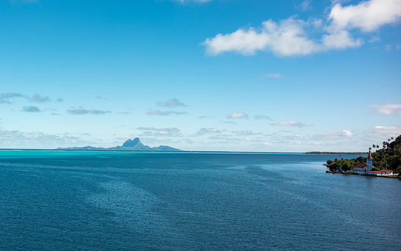 Passing Bora Bora en route to Taha'a - May 29, 2016