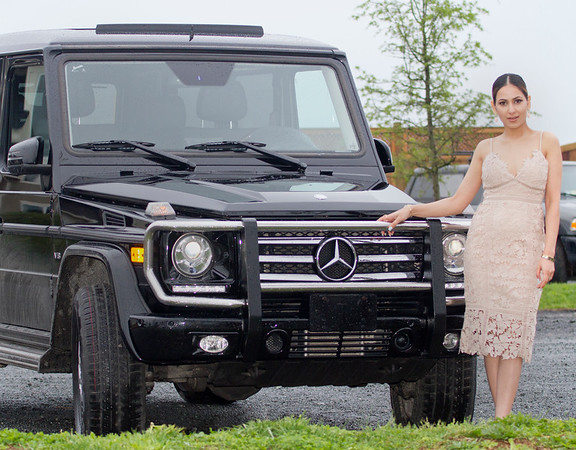 2017 04 Nikki and the Mercedes 01