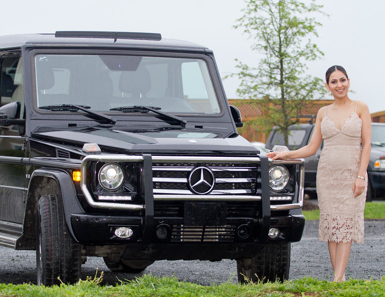 2017 04 Nikki and the Mercedes 03