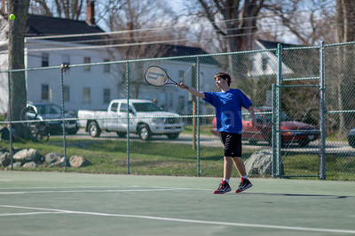Mariner Cullen Cochrane extends his forehand. Photo by Tate Yoder