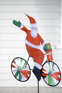 CP_Holiday_scenics_bike_santa_121417_AB