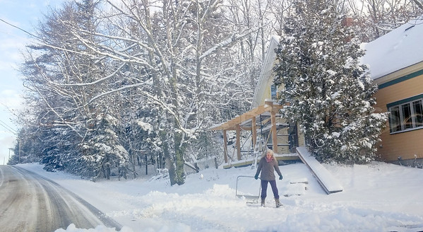 CP_snow_scenes_penobscot_shoveling_2_121417_AB