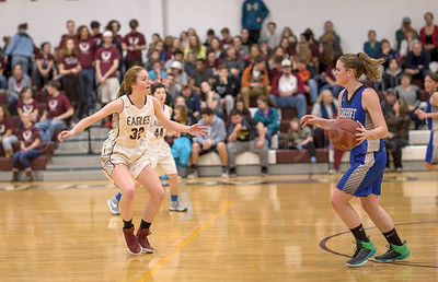Mazie Smallidge side steps while on defensive against Searsport. Photo by Tate Yoder