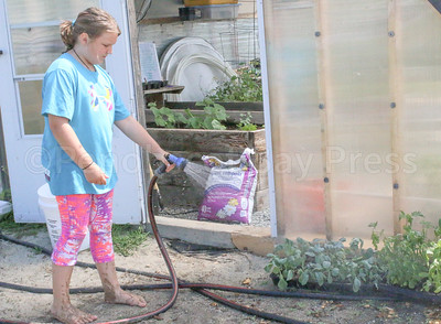 WP_BES_gardening_Gray_072717_ML