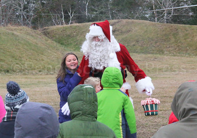 CP_Flying_Santa_with_kids_113017_ML