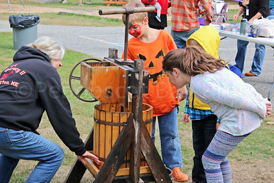 WP_Sedgwick_apple_fest_cider_100517_AB