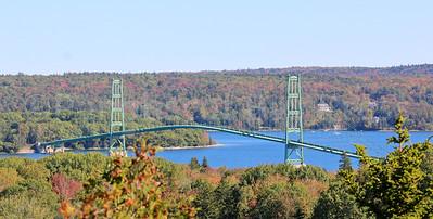 IA_scenics_pine_hill_bridge_101217_AB