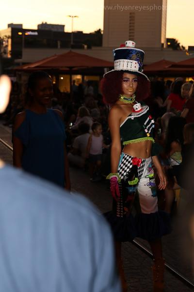 Metropolitan_Fashion_Week_2017_Opening_Ceremony_0019_RR
