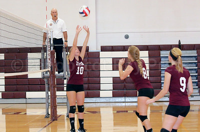 Sports_GSA_volleyball_OHara_Hipsky_092117_ML