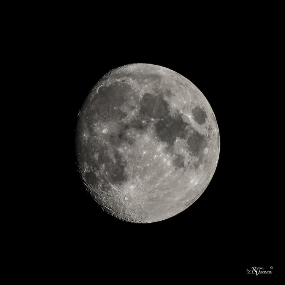 91% Illuminated Waxing Gibbous Moon