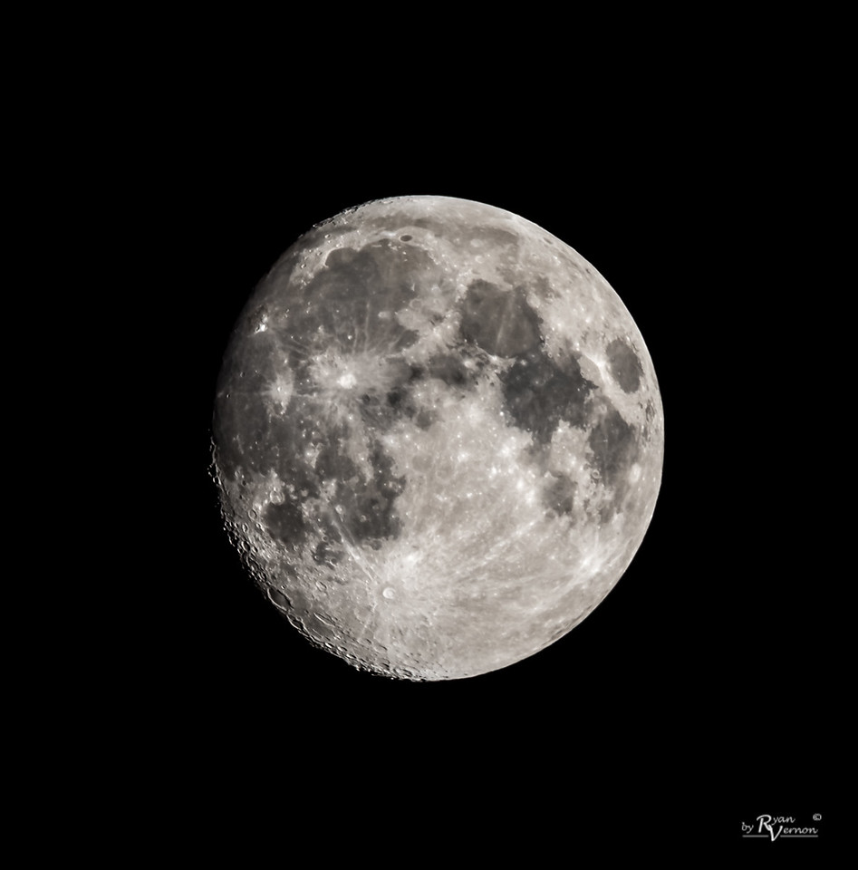 94% Illuminated Waxing Gibbous Moon