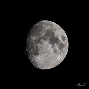 93% Illuminated Waxing gibbous moon