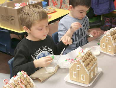 WP_BES_gingerbread_houses_Dominic_112918_ML