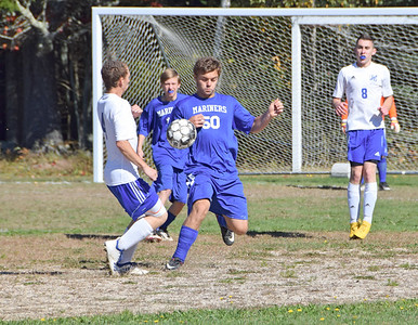 Sports_DISHS_boys_soccer_Andrew_Wendell_101118_JS