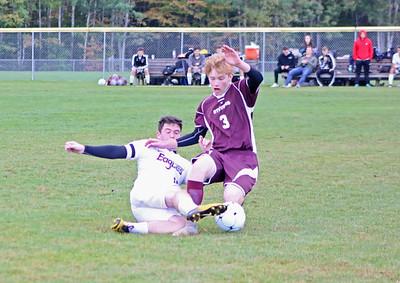 Sports_gsa_boys_soccer_v_ells_owen_vinal__100418_AB