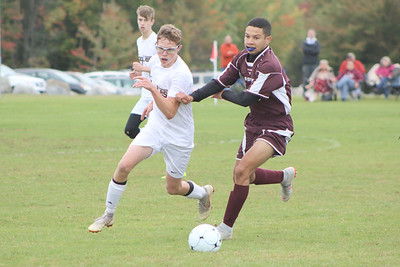 Sports_gsa_boys_soccer_v_ells_adrian_marsh_100418_AB