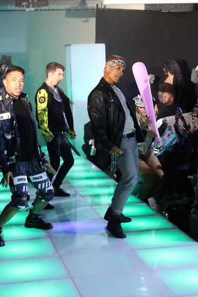 Raging_Runways_Festival_Fashion_Show_C1_0343_RR