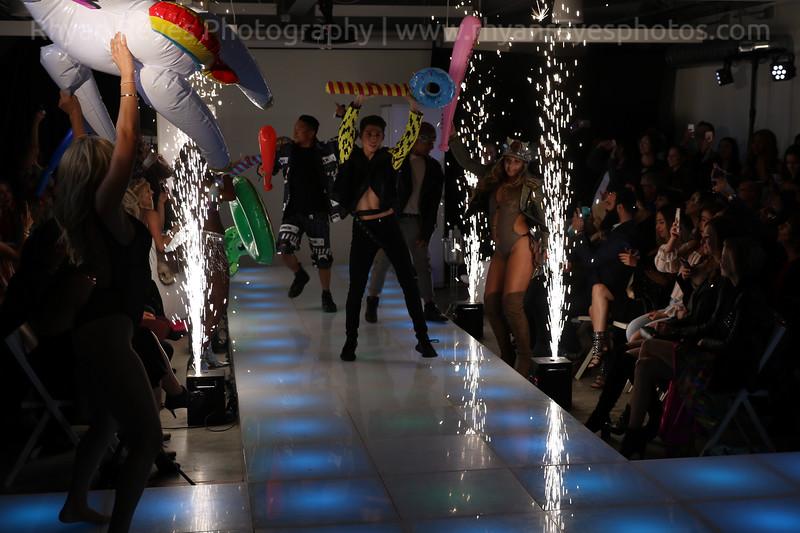Raging_Runways_Festival_Fashion_Show_C1_0325_RR