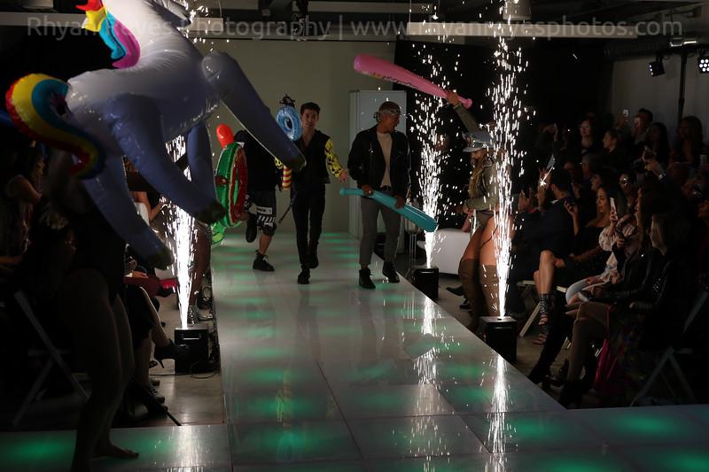 Raging_Runways_Festival_Fashion_Show_C1_0323_RR