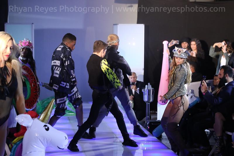 Raging_Runways_Festival_Fashion_Show_C1_0338_RR