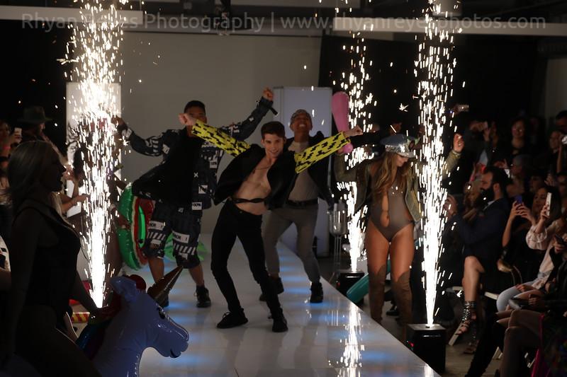 Raging_Runways_Festival_Fashion_Show_C1_0334_RR