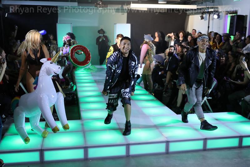 Raging_Runways_Festival_Fashion_Show_C1_0352_RR