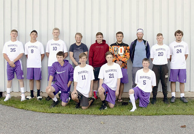 Sports_DISHS_boys_soccer_team_photo_090618_JS