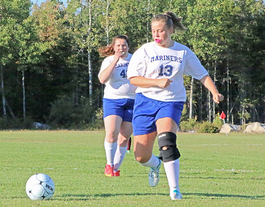Sports_GSA_v_DIS_girls_soccer_dis_only_092718_AB