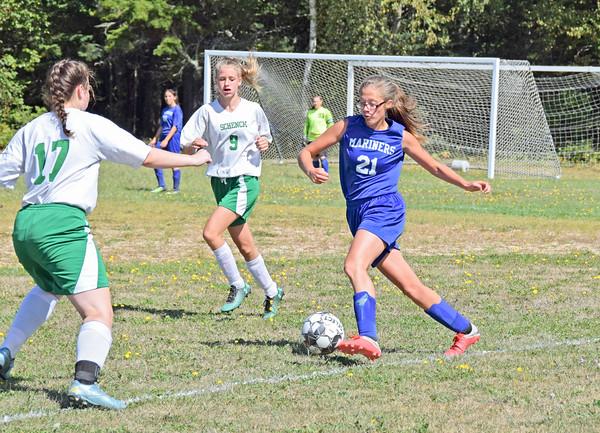 Sports_DISHS_girls_soccer_v_Schenck_Eaton_091318_JS