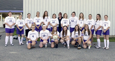 Sports_DISHS_girls_soccer_team_photo_090618_JS