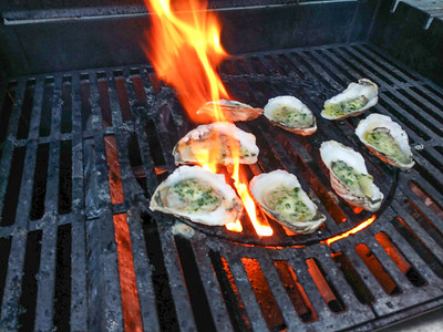 AP_Fresh_from_the_Sea_grilled_oysters_080119_TO