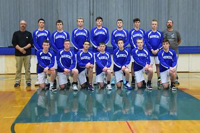 Sports_DISHS_boys_bball_team_photo_121219_JS