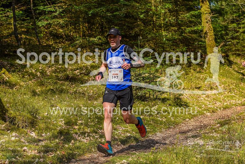 Goldrush 2019 Runners at 2 5 Miles - SportpicturesCymru